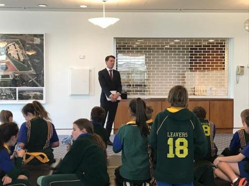 Talking to the very enthusiastic grade 6 students from St Cuthberts Primary School in Parliament House